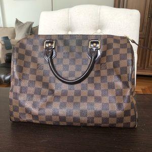 Louis Vuitton Speedy 30 in Great condition